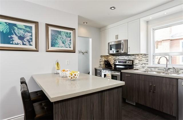 17 Helsby Cres, Toronto, ON M8W 4V7 (#W4129779) :: Beg Brothers Real Estate