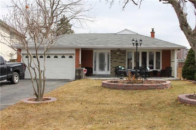 5 Marchbank Crt, Toronto, ON M9V 2H8 (#W4129908) :: Beg Brothers Real Estate