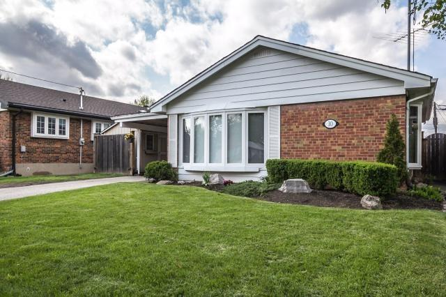 10 Tayrow Rd, Toronto, ON M9W 2T9 (#W4130020) :: Beg Brothers Real Estate