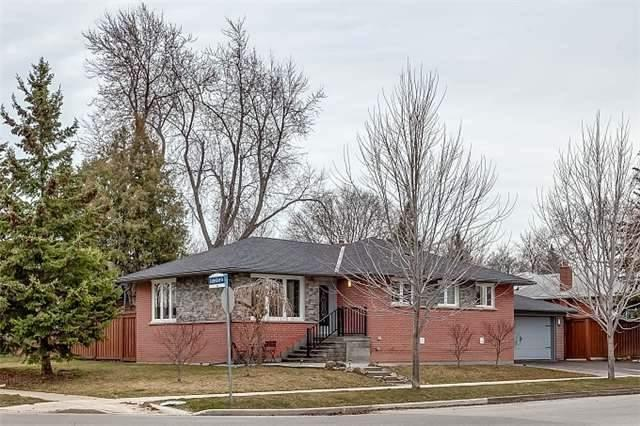 1 Thelmere Pl, Toronto, ON M9R 2B6 (#W4130151) :: Beg Brothers Real Estate