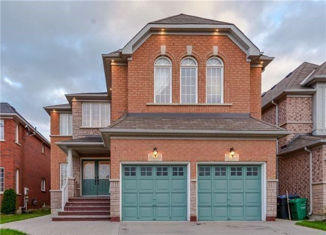 3340 Aquinas Ave, Mississauga, ON L5M 7L2 (#W4130766) :: Beg Brothers Real Estate