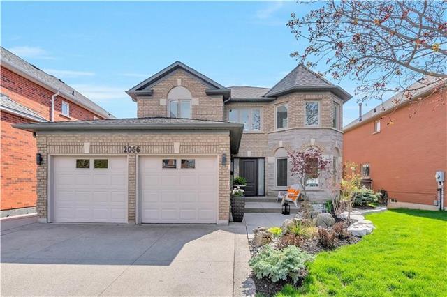2066 Mckerlie Cres, Burlington, ON L7M 4E8 (#W4133242) :: Beg Brothers Real Estate