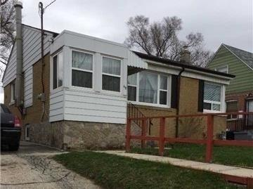 43 Trethewey Dr, Toronto, ON M6M 4B1 (#W4134014) :: Beg Brothers Real Estate