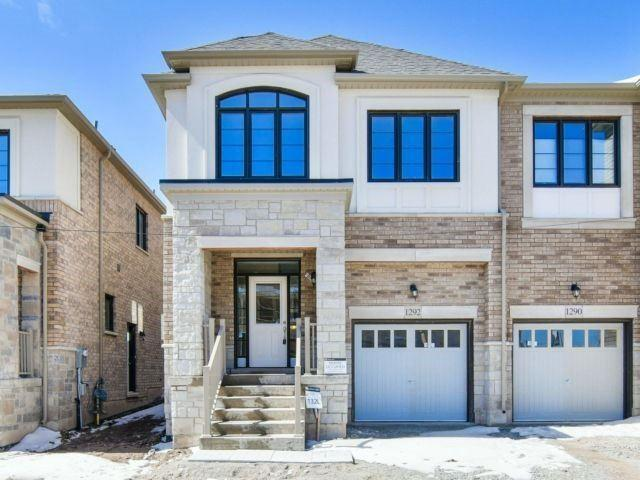 1292 Clarriage Crt, Milton, ON L9E 1J4 (#W4134572) :: Beg Brothers Real Estate