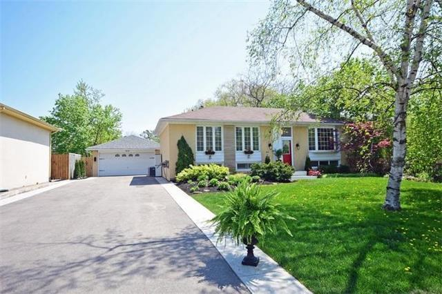 1416 Rebecca St, Oakville, ON L6L 1Z5 (#W4135035) :: Beg Brothers Real Estate