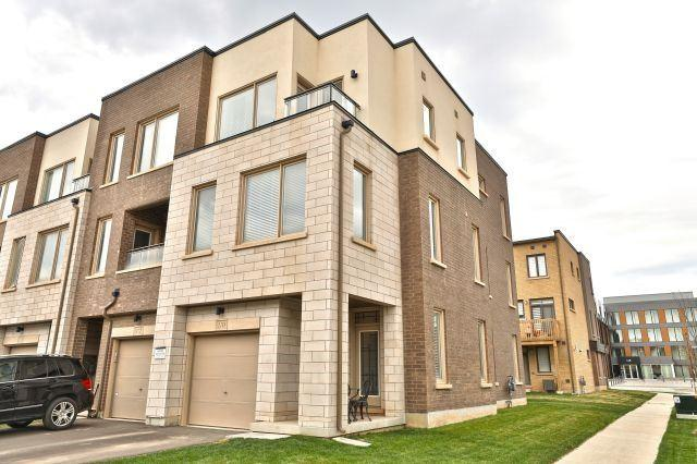 170 Huguenot Rd, Oakville, ON L6H 0L4 (#W4135100) :: Beg Brothers Real Estate