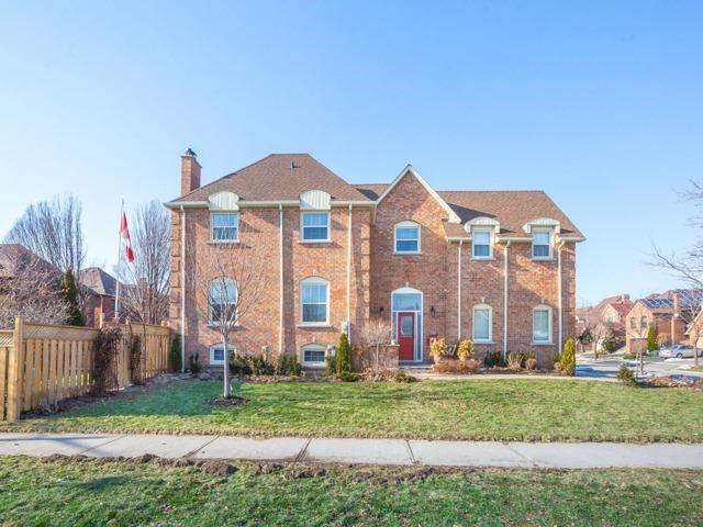 4088 Lastrada Hts, Mississauga, ON L5C 3W3 (#W4135657) :: Beg Brothers Real Estate