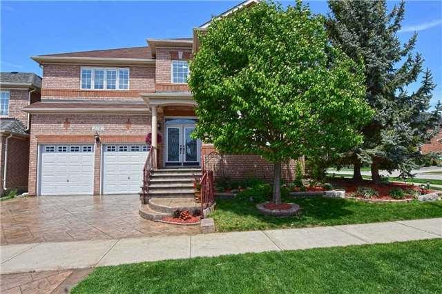 2339 Fundy Dr, Oakville, ON L6M 4T6 (#W4136711) :: Beg Brothers Real Estate