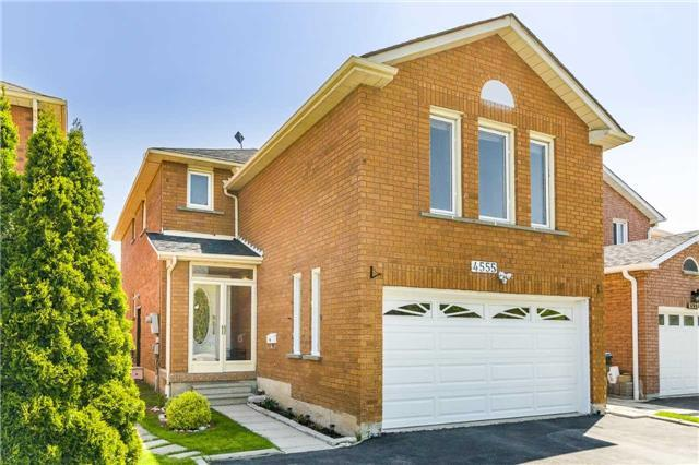 4555 Kimbermount Ave, Mississauga, ON L5M 4J5 (#W4137260) :: Beg Brothers Real Estate