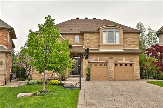 521 Spruce Needle Crt, Oakville, ON L6H 7L2 (#W4137270) :: Beg Brothers Real Estate