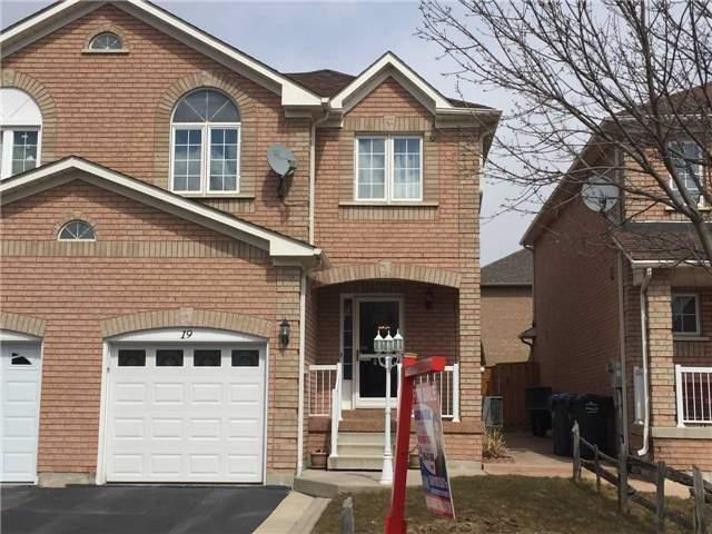 19 Tinsmith St, Brampton, ON L7A 1N3 (#W4137924) :: Beg Brothers Real Estate