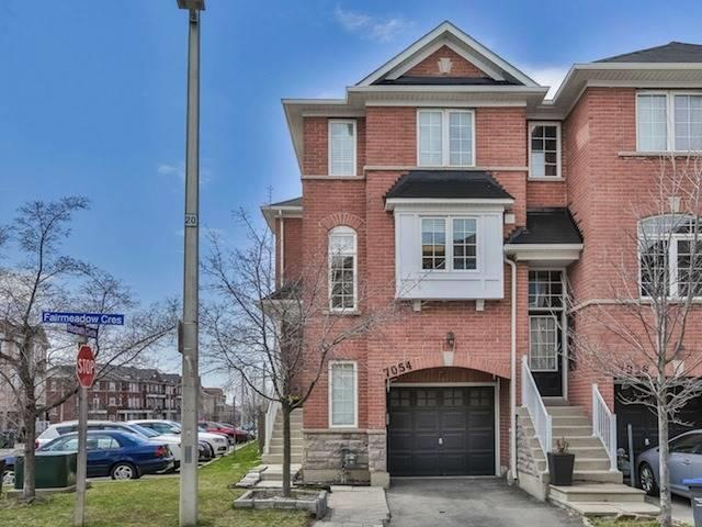 7054 Fairmeadow Cres, Mississauga, ON L5N 8R6 (#W4138470) :: Beg Brothers Real Estate