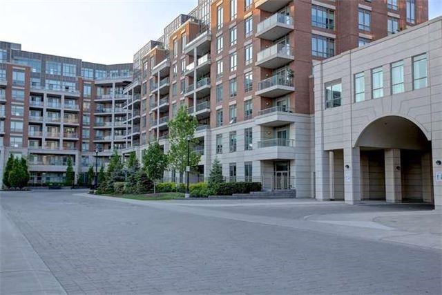 2480 Prince Michael Dr #716, Oakville, ON L6H 0H1 (#W4139000) :: Beg Brothers Real Estate