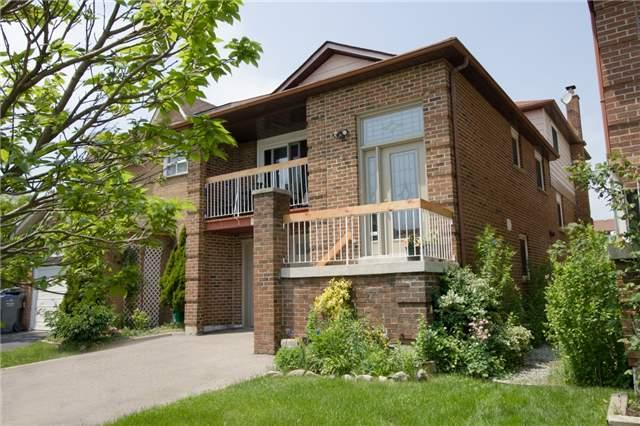 883 Thistle Down Circ, Mississauga, ON L5C 3K5 (#W4139602) :: Beg Brothers Real Estate