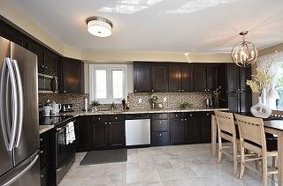 1314 Sweetbirch Crt, Mississauga, ON L5C 3R3 (#W4140283) :: Beg Brothers Real Estate
