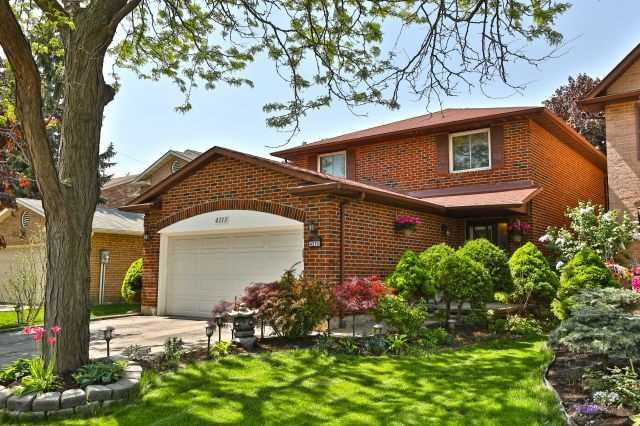 4213 Tea Garden Circ, Mississauga, ON L5B 2Z1 (#W4140776) :: Beg Brothers Real Estate
