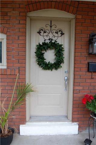 126 Belgravia Ave, Toronto, ON M6E 2M5 (#W4172403) :: Beg Brothers Real Estate