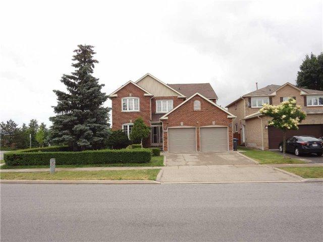 3208 Mcmaster Rd, Mississauga, ON L5L 5G3 (#W4172427) :: Beg Brothers Real Estate