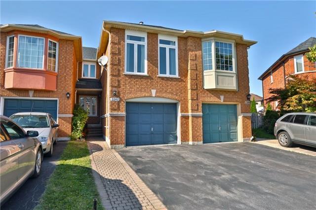 2242 Pell Cres, Oakville, ON L6M 3T6 (#W4252162) :: RE/MAX Prime Properties