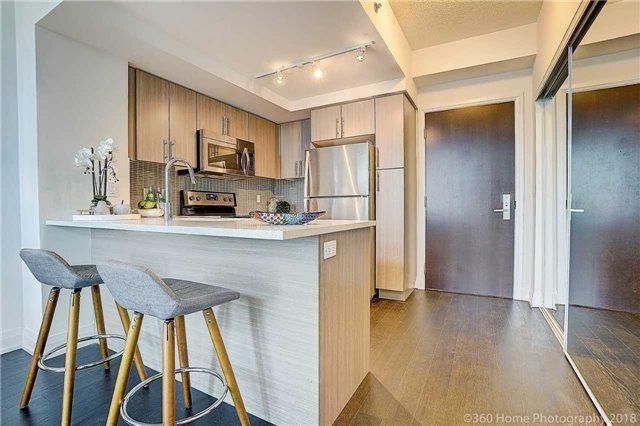 65 Speers Rd, Oakville, ON L6K 3V5 (#W4252483) :: RE/MAX Prime Properties