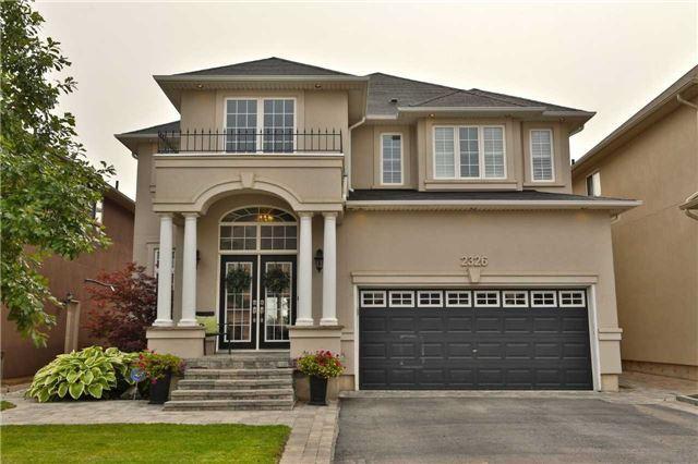 2326 Millstone Dr, Oakville, ON L6M 0H1 (#W4252844) :: RE/MAX Prime Properties