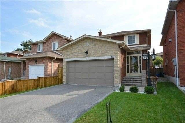 105 Dumfries Ave, Brampton, ON L6Z 2W6 (#W4638106) :: Sue Nori