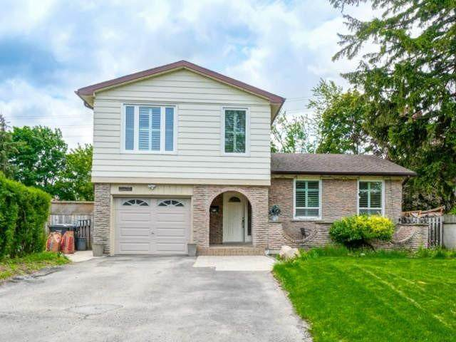 2470 Oak Row Cres, Mississauga, ON L5L 1P4 (#W4781629) :: The Ramos Team