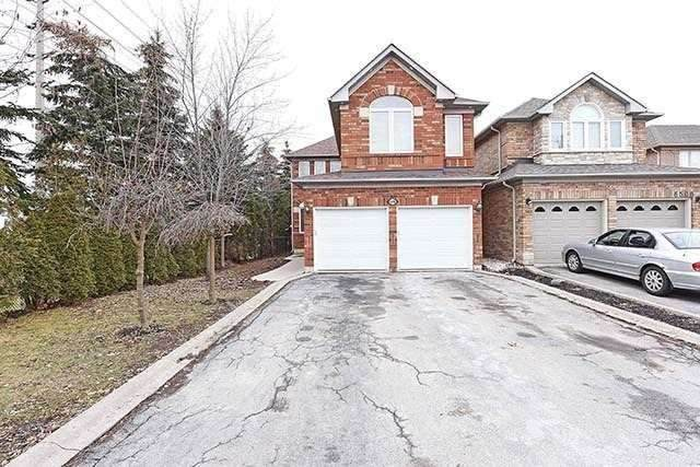 6498 Saratoga Way, Mississauga, ON L5N 7W9 (#W4917525) :: The Ramos Team