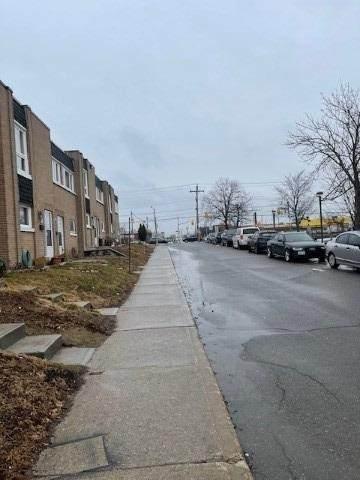 3690 Keele St #3, Toronto, ON M3J 1M3 (MLS #W5131914) :: Forest Hill Real Estate Inc Brokerage Barrie Innisfil Orillia