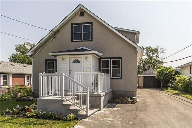 25 Woodrow St, St. Catharines, ON L2P 2A1 (#X3897447) :: Mark Loeffler Team