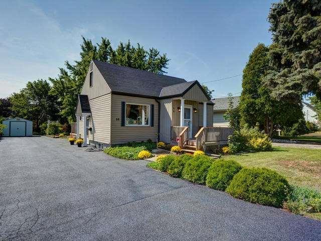 96 E Mohawk Rd, Hamilton, ON L9A 2G9 (#X4075900) :: Beg Brothers Real Estate