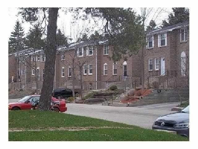 268 Westcourt Pl, Waterloo, ON N2L 2R7 (#X4133248) :: Beg Brothers Real Estate