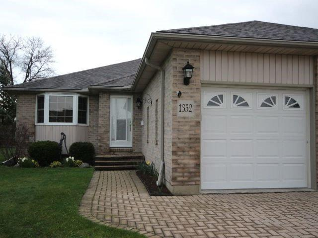 1352 Rendezvous Dr, Windsor, ON N8P 1K7 (#X4135467) :: Beg Brothers Real Estate