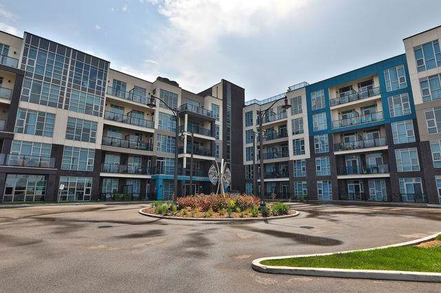 10 Concord Pl #107, Grimsby, ON L3M 0G6 (#X4633490) :: Jacky Man | Remax Ultimate Realty Inc.
