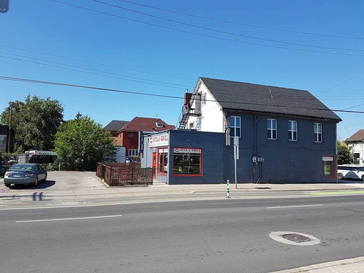114 Sanford Ave - Photo 1