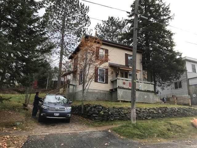 19 E Cora St, Huntsville, ON P1H 1P6 (MLS #X5099261) :: Forest Hill Real Estate Inc Brokerage Barrie Innisfil Orillia