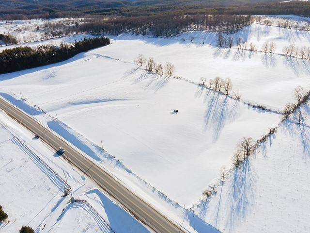 934354 Airport Rd, Mono, ON L9W 6C5 (MLS #X5105777) :: Forest Hill Real Estate Inc Brokerage Barrie Innisfil Orillia