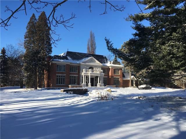 38 Park Lane Circ, Toronto, ON M3C 2N2 (#C4124933) :: Beg Brothers Real Estate