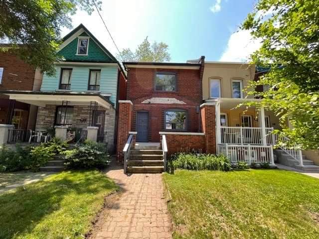 390 St Clarens Ave - Photo 1