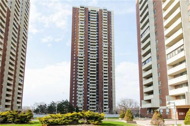 3 Massey Sq #1205, Toronto, ON M4C 5L5 (#E4114215) :: Beg Brothers Real Estate