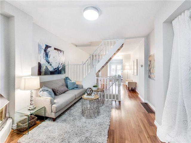 686 Rhodes Ave, Toronto, ON M4J 4X6 (#E4128362) :: Beg Brothers Real Estate