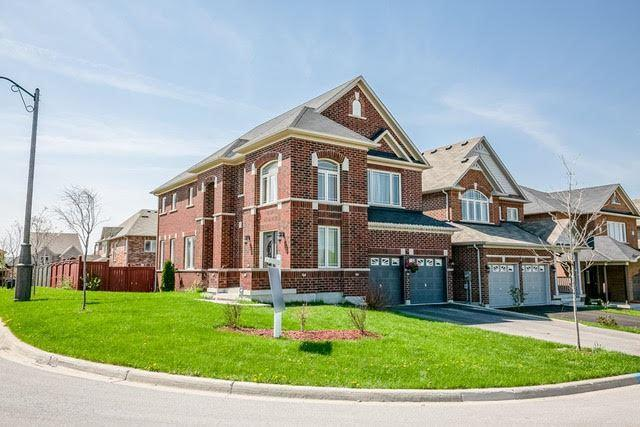 57 Old Field Cres, Newmarket, ON L9N 0A3 (#N4132467) :: Beg Brothers Real Estate