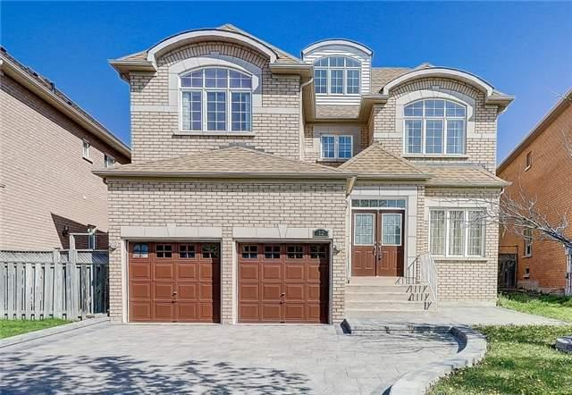12 Wayside Ave, Richmond Hill, ON L4S 1W9 (#N4133727) :: Beg Brothers Real Estate