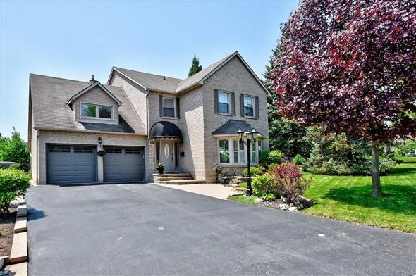 15 Delayne Dr, Aurora, ON L4G 5B2 (#N4136786) :: Beg Brothers Real Estate