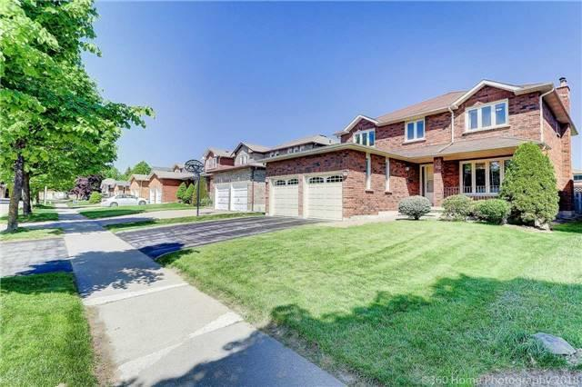 34 Southgate Cres, Richmond Hill, ON L4B 2E3 (#N4138396) :: Beg Brothers Real Estate