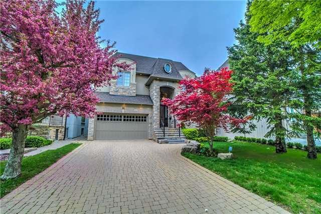 16 Westwood Lane, Richmond Hill, ON L4C 6X9 (#N4141131) :: Beg Brothers Real Estate