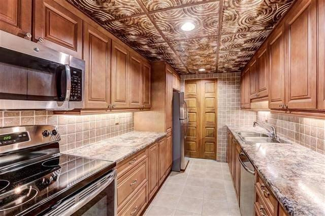 340 Dixon Rd #1809, Toronto, ON M9R 1T1 (#W4127684) :: Beg Brothers Real Estate