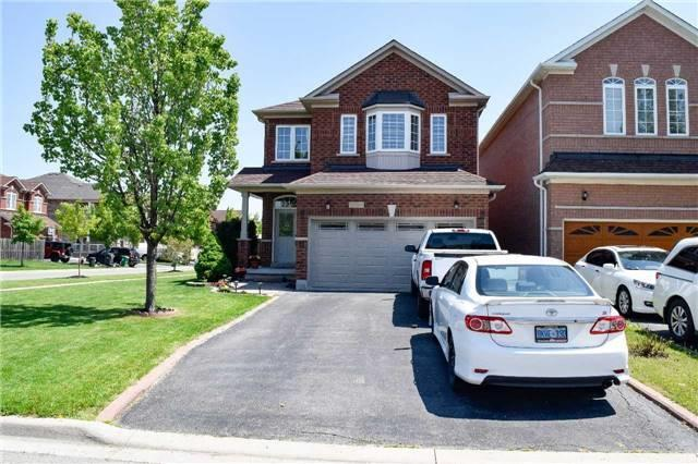 3946 Passway Rd, Mississauga, ON L5N 8P2 (#W4139124) :: Beg Brothers Real Estate