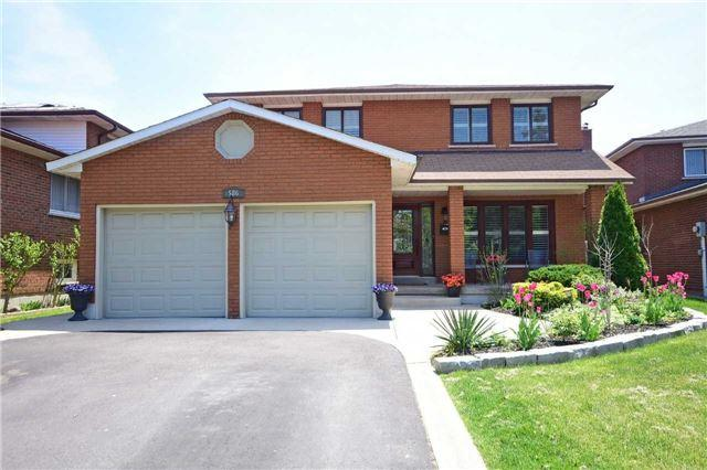 586 Amherst Crt, Mississauga, ON L4Z 1M4 (#W4139993) :: Beg Brothers Real Estate