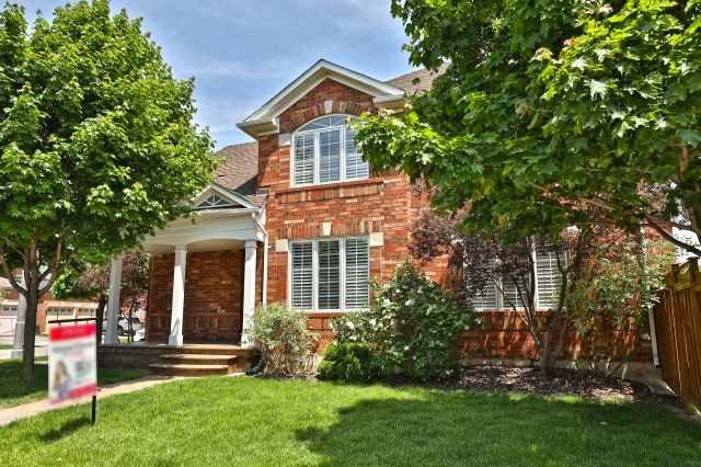2285 Foxhole Circ, Oakville, ON L6M 4X4 (#W4140123) :: Beg Brothers Real Estate